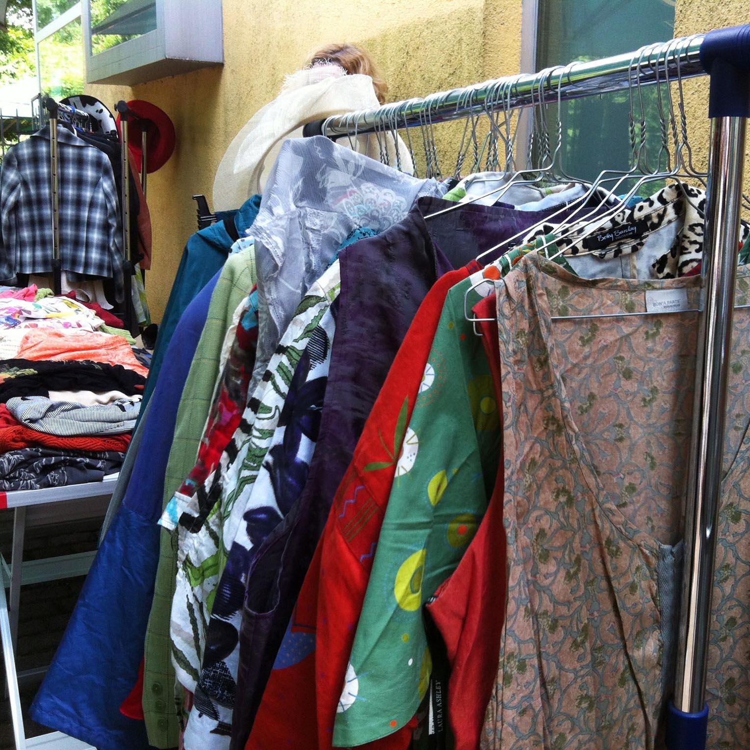 Frauen-Flohmarkt im Lola