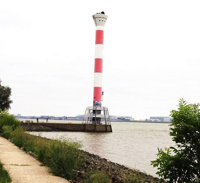 Leuchtturm Elbufer Blankenese