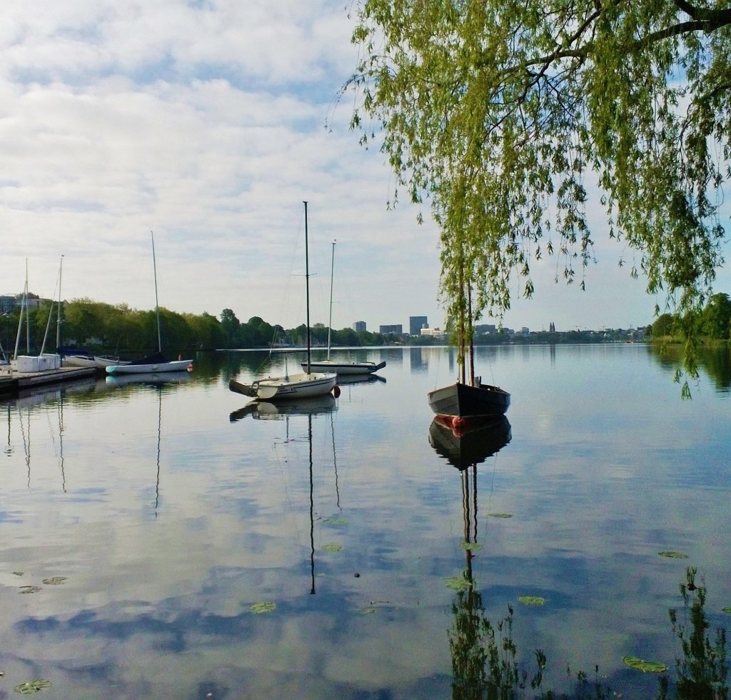 Alster Boote Hamburg Skyline