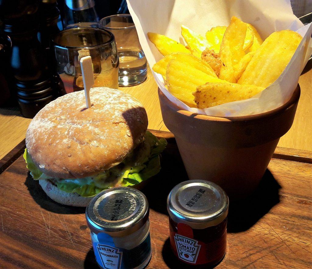 Burger amazing fries Störtebeker Elbphilharmonie