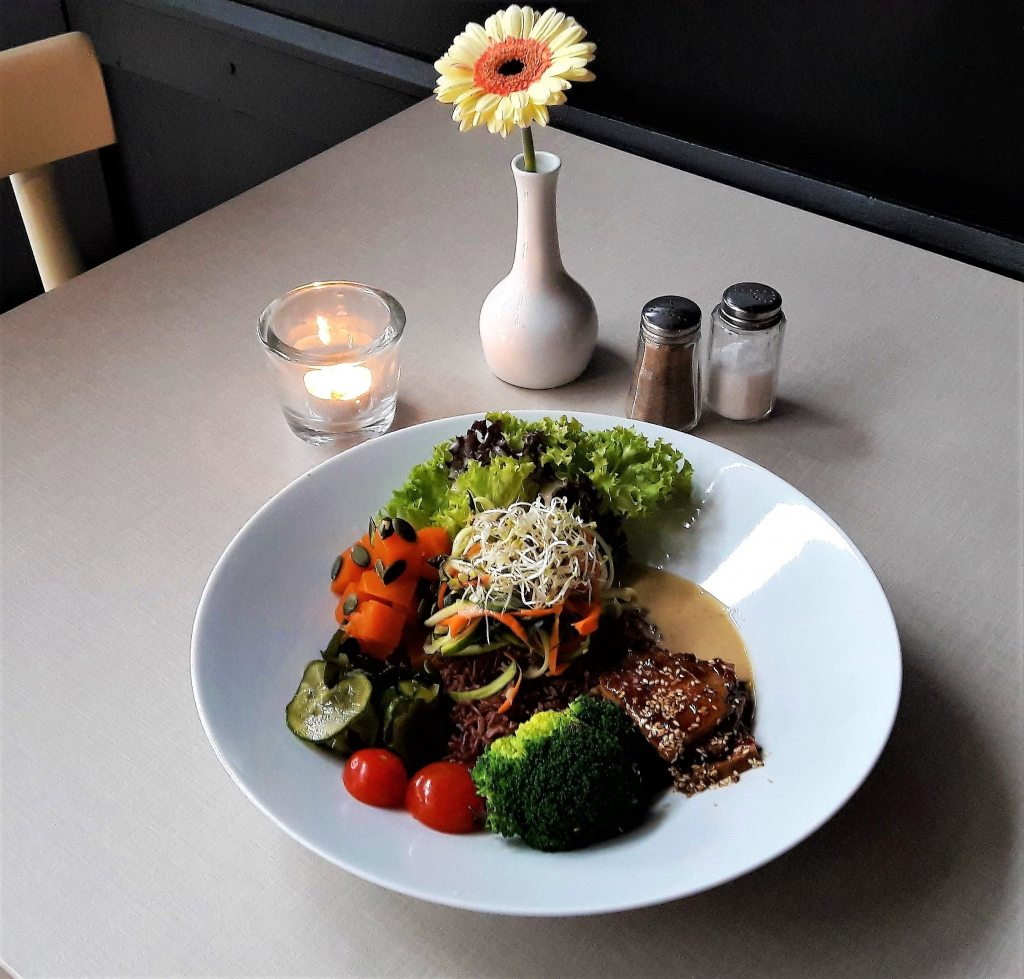 healthy Bowl im Hatari the Corner Hamburg Schanzenviertel