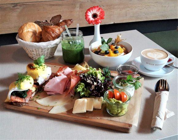 Frühstück im Hatari The Corner Hamburg