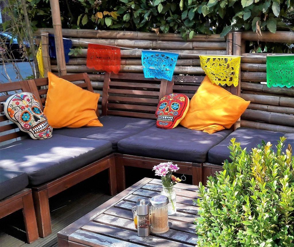 draußen sitzen im Restaurant La Quesadilla Eppendorf
