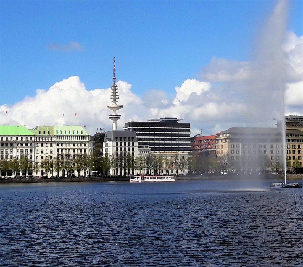 Alsterföntäne Hamburg Fernsehturm Hotel Vier Jahreszeiten