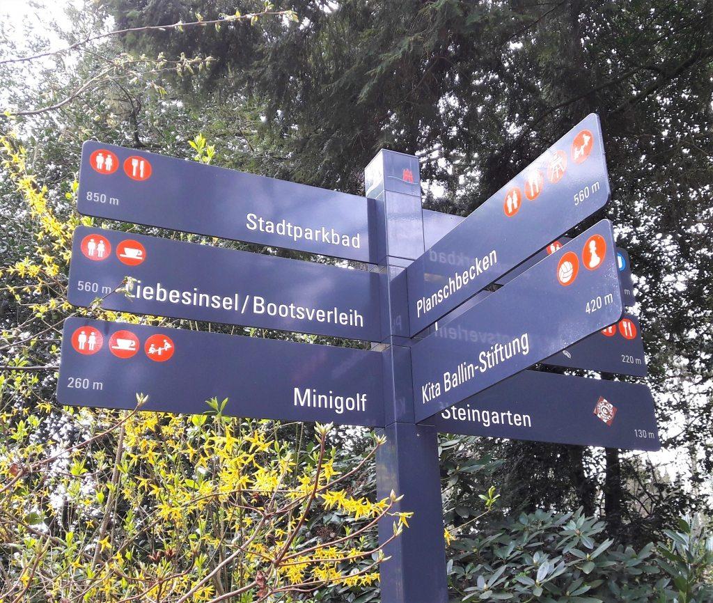 Liebesinsel Minigolf Planschbecken Steingarten Stadtparkbad Hamburg