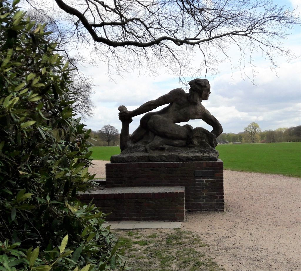 Skulptur im Stadtpark Hamburg