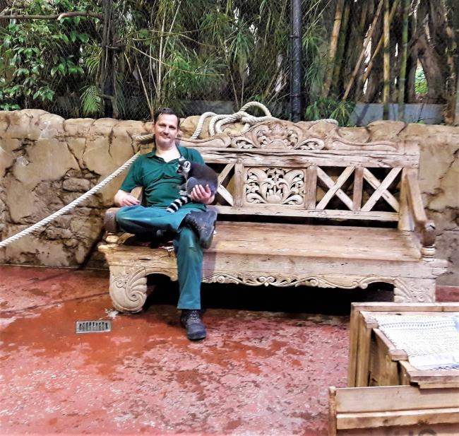 Katta Tierpfleger Tropenaquarium Hagenbeck