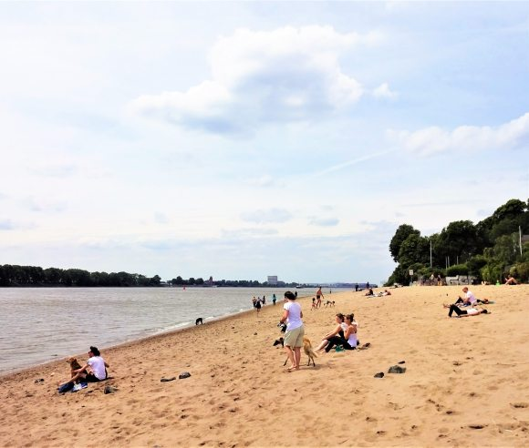 Sommer Sonne Elbstrand gratis in Hamburg