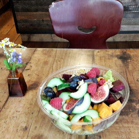 zwanzig quadratmeter Salat Karoviertel Hamburg Food Blog (2)