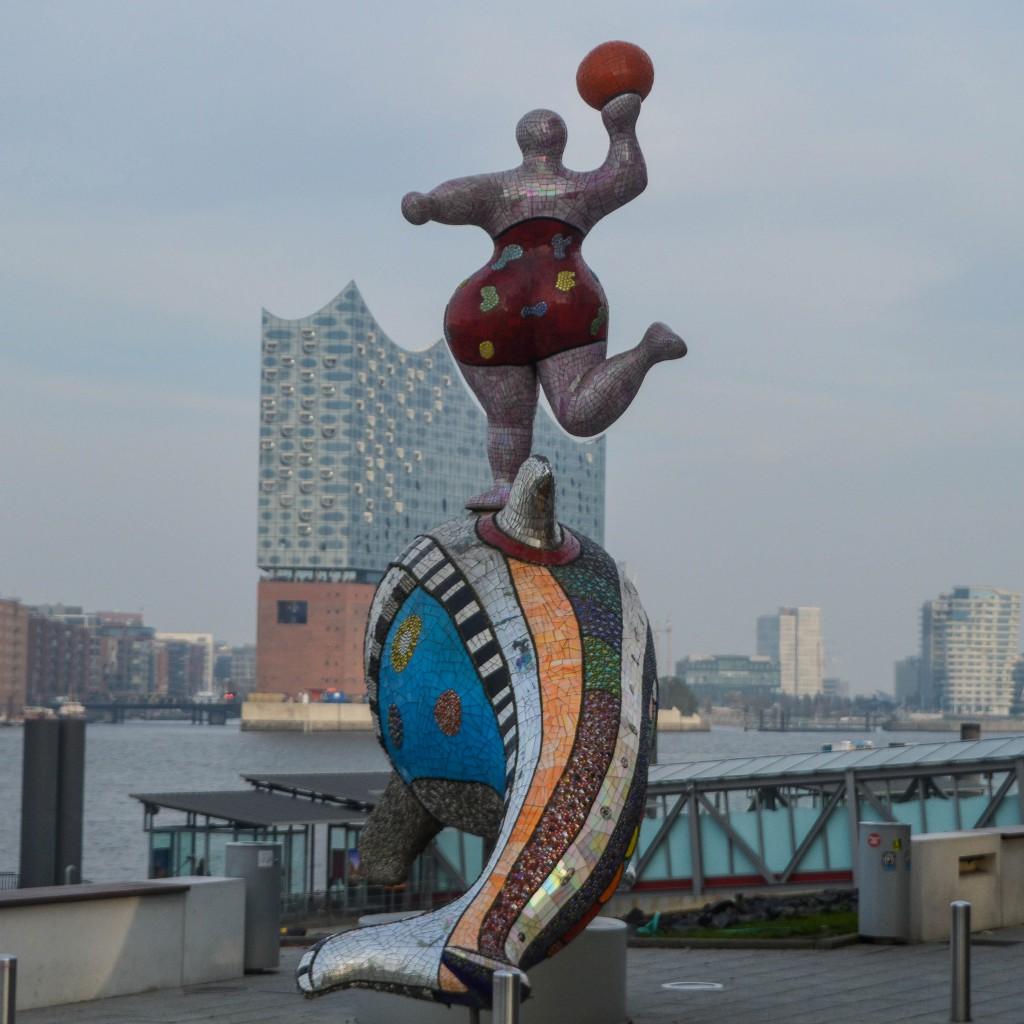 Musical - Boulevard Nana and Dolphin