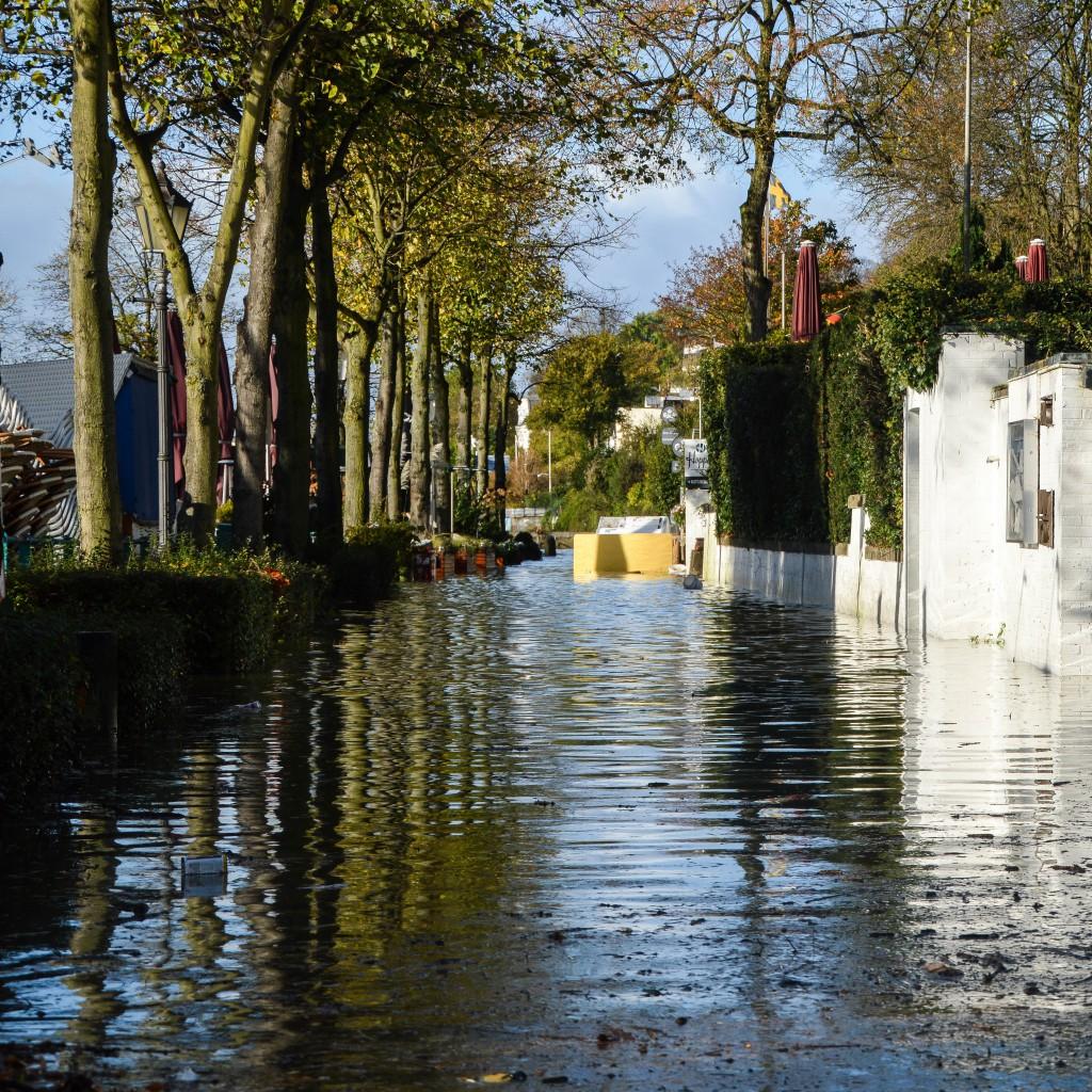 Land unter oder ein Sturmtief zieht durch Hamburch