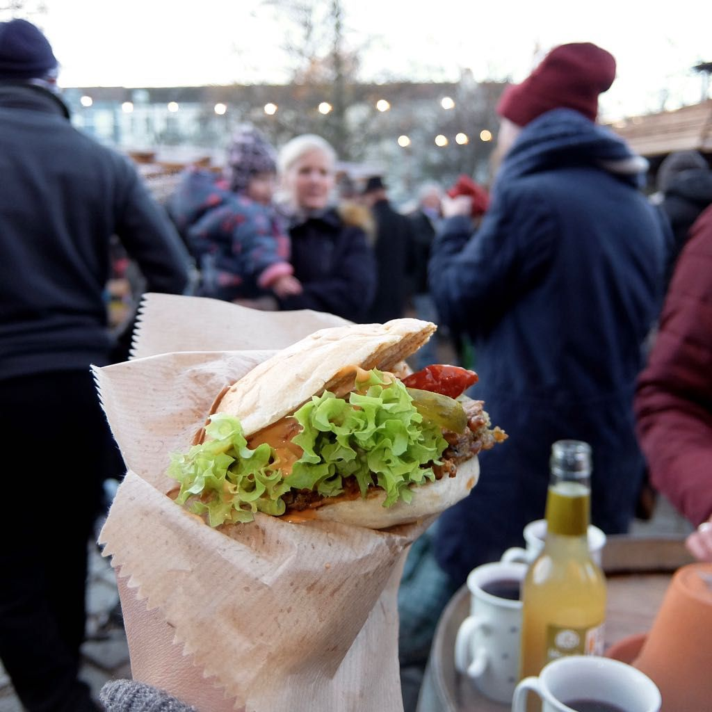 Vegane Burger, Weihnachtsmarkt an der Apostelkirche