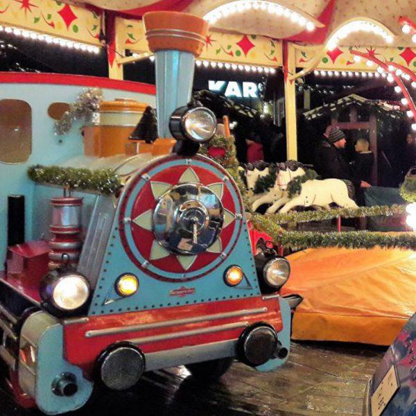 Karussel auf dem Weihnachtsmarkt in der Osterstraße