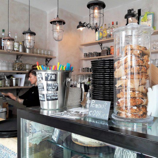 vegane Kekse und Kuchen im Froindlichst Hamburg Ottensen