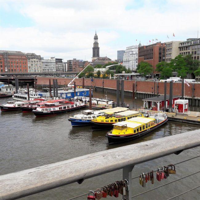 Hafen Panorama und Michel Hamburg