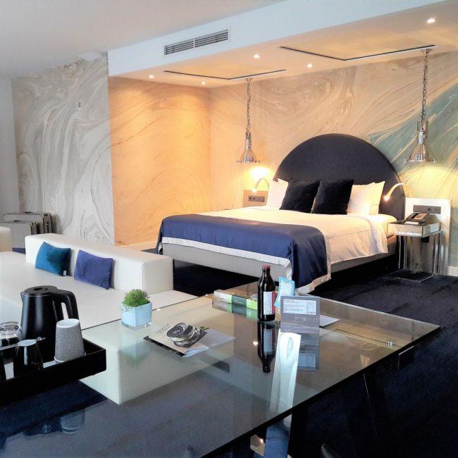24 stunden hamburch total als tourist in der eigenen stadt. Black Bedroom Furniture Sets. Home Design Ideas