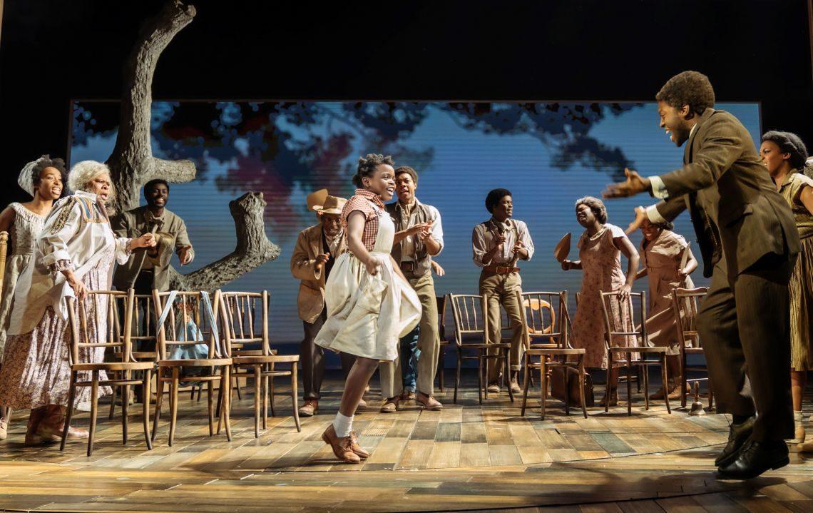 Tina Turner als Kind auf Bühne tanzen