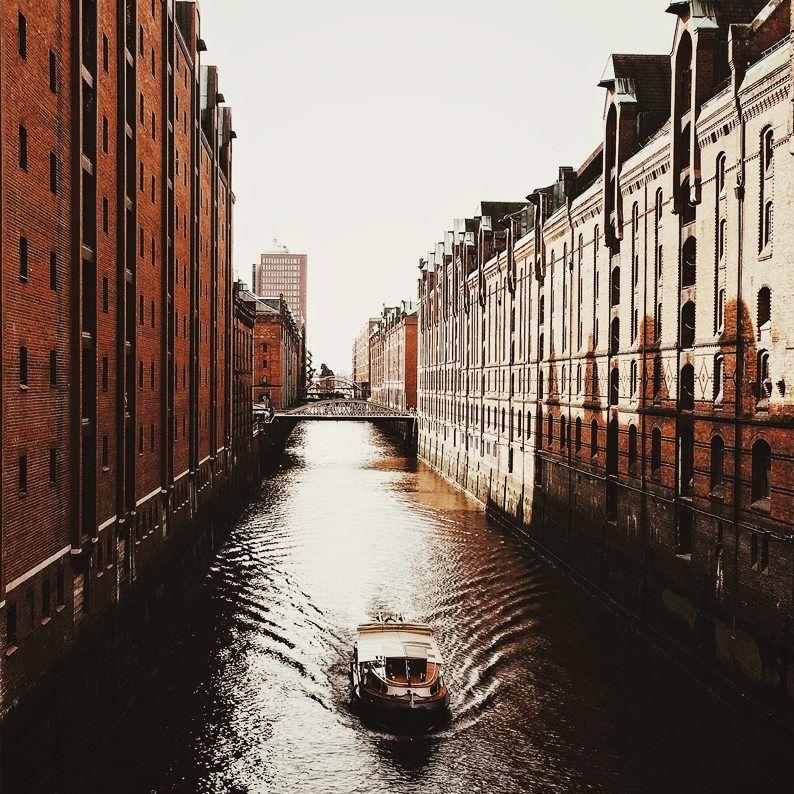 Ein Bild von der Elbe die durch die Seicherstadt verläuft