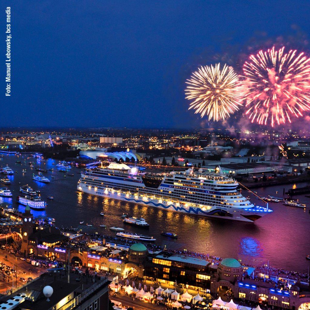 Hamburg_Cruise_Days-Parade_2014