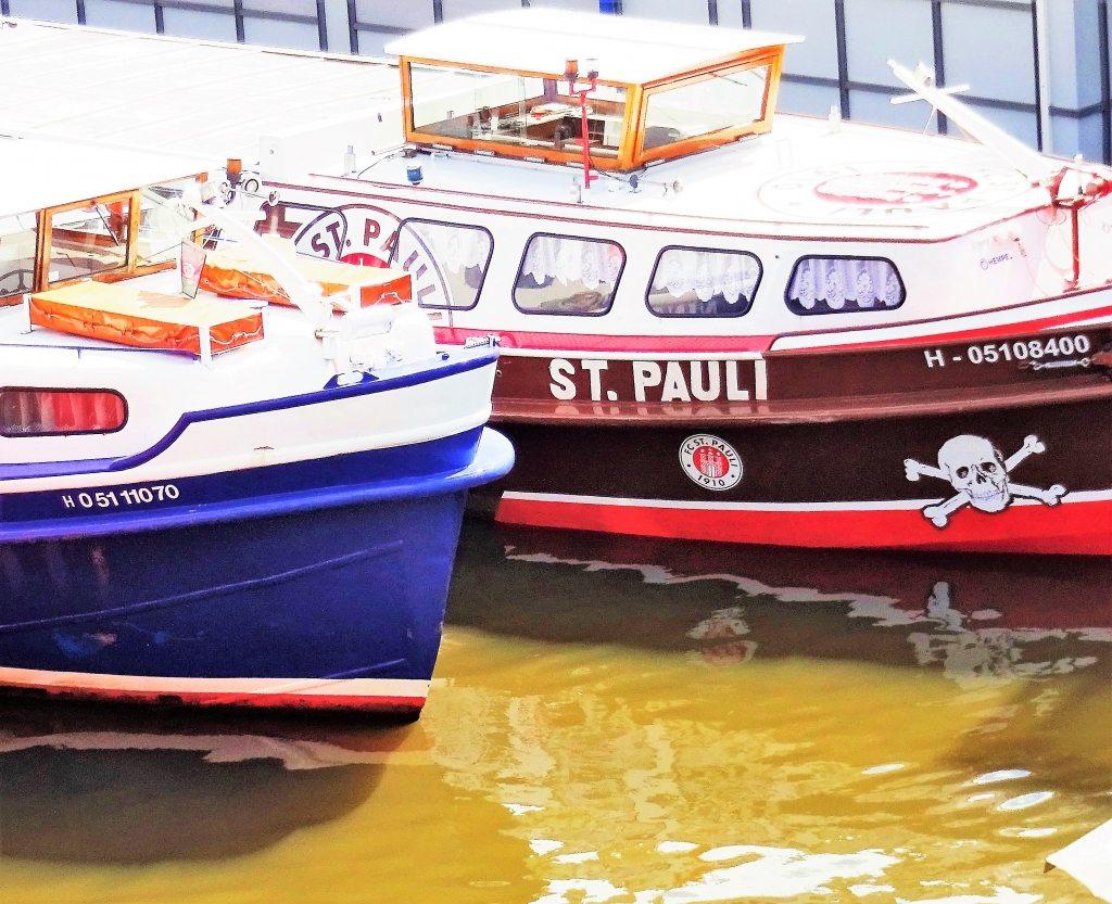 Schiffe gucken am Hafen Hamburg