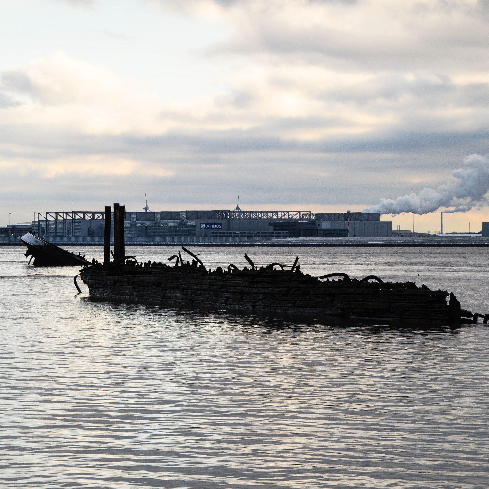 5 Spannende Dinge zu den Schiffswracks von Blankenese