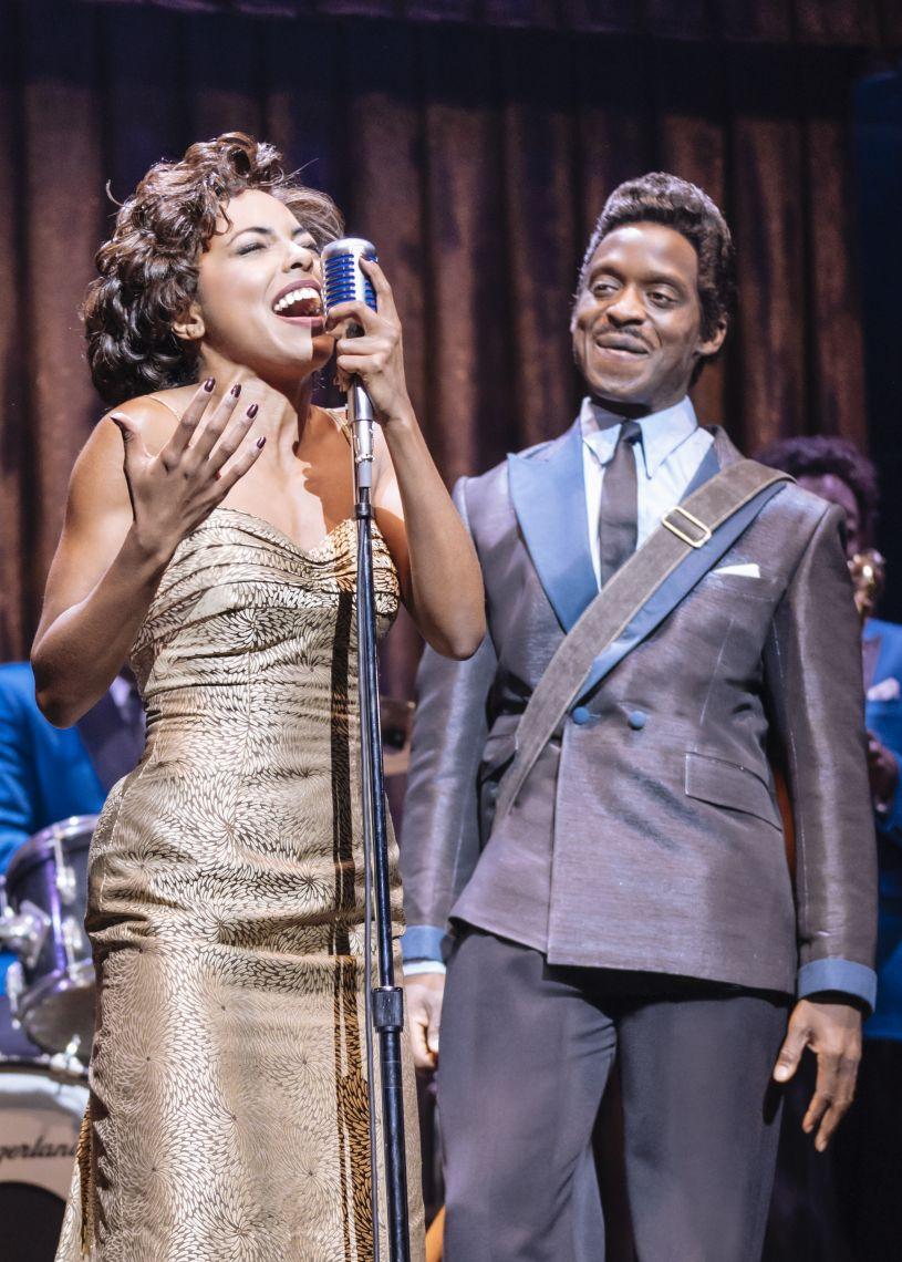 Ike Turner und Tina Turner singen live auf Bühne