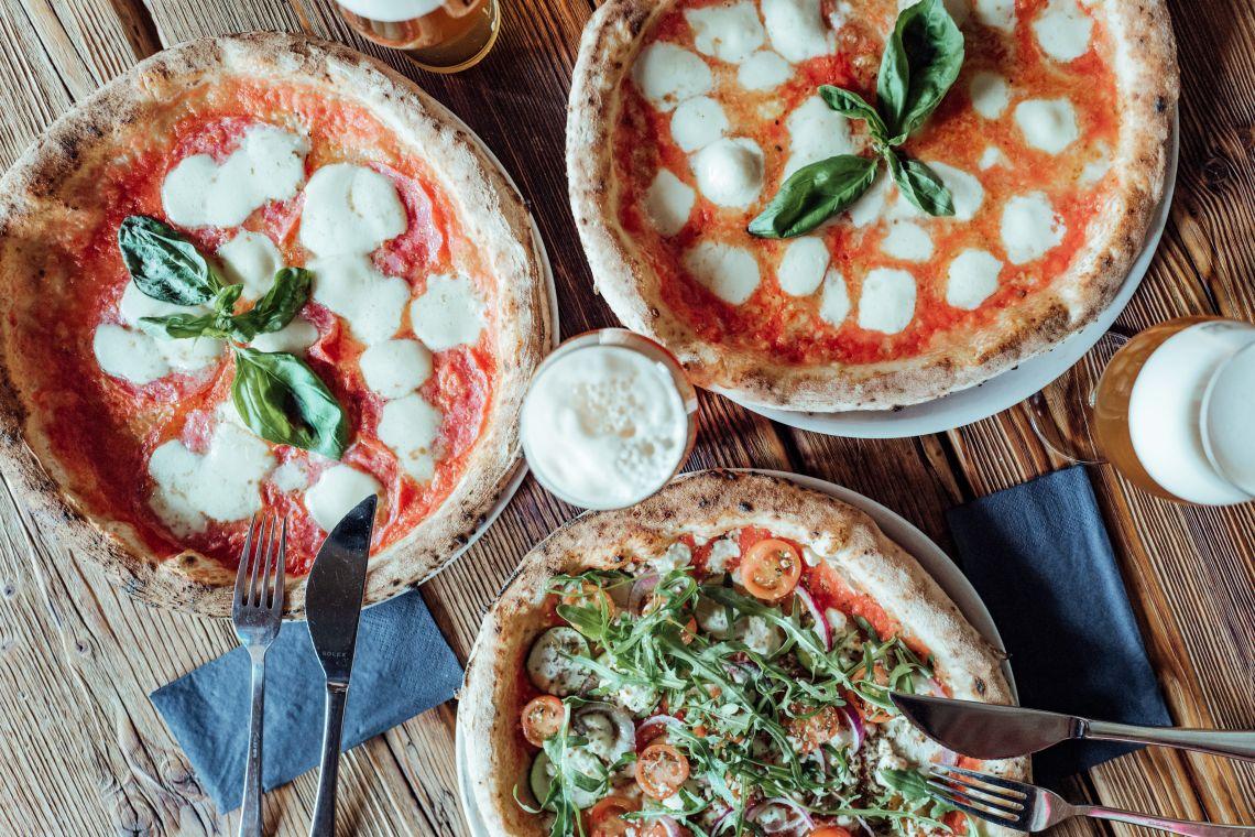 Pizza im ÜberQuell Restaurant - Überquell in St. Pauli