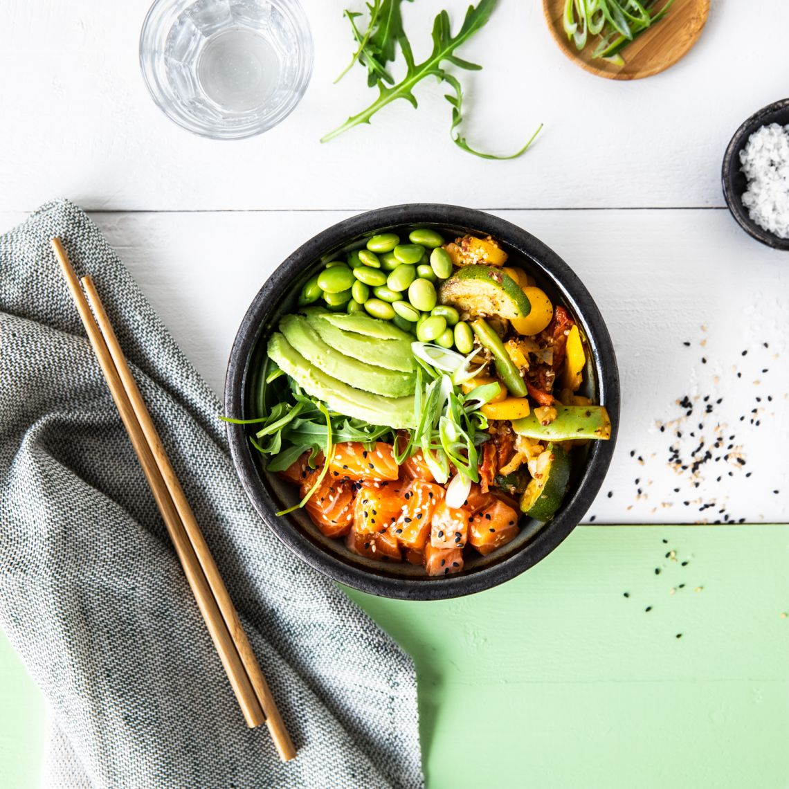 Pop-Up-Restaurant in Hamburg - FRoSTA - Zucchini-Quinoa Poke Bowl mit Lachs